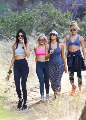 Kendall Jenner in Tights out for a hike -08