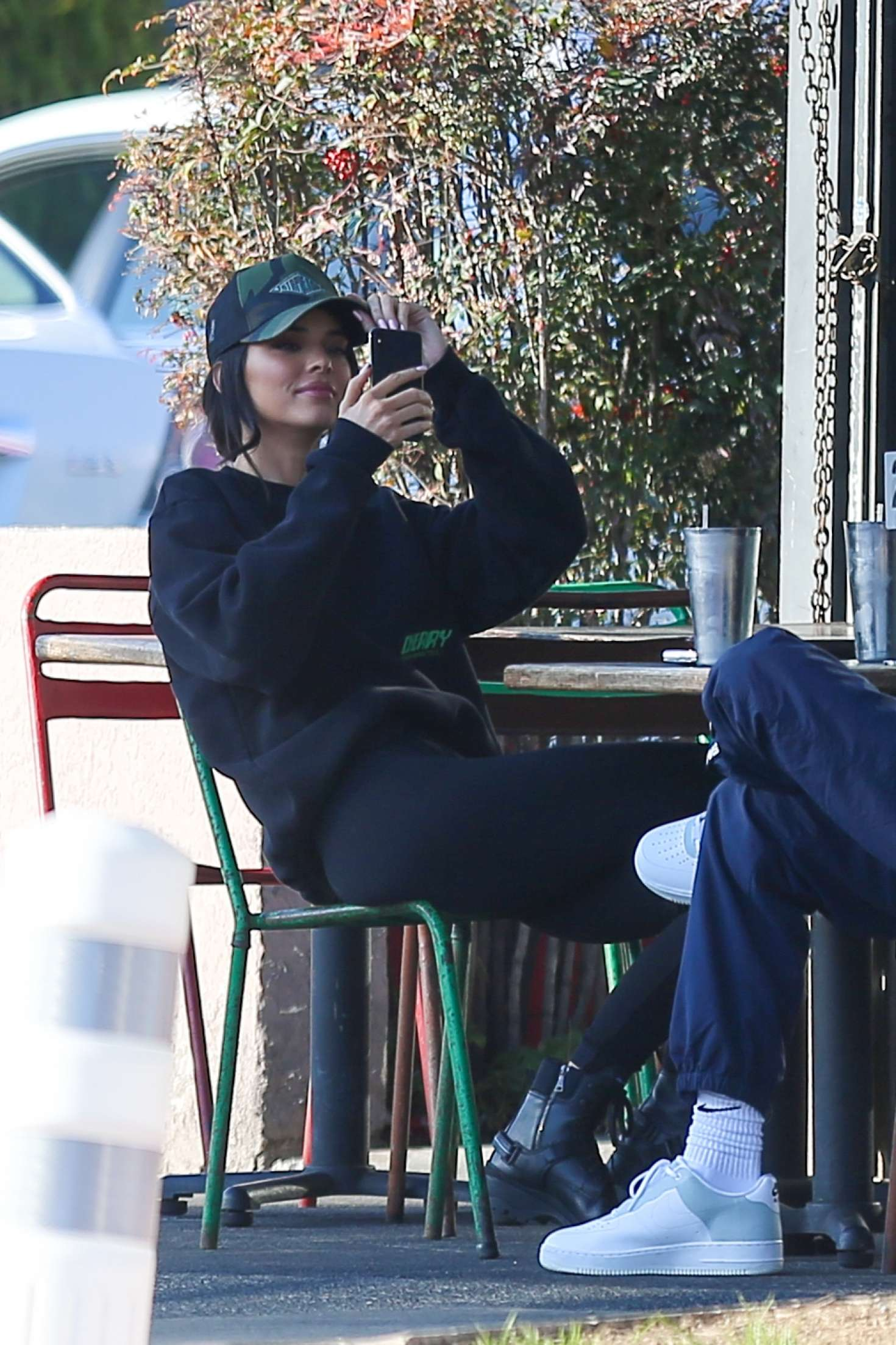 Kendall Jenner in Tights – Out for lunch in Los Angeles