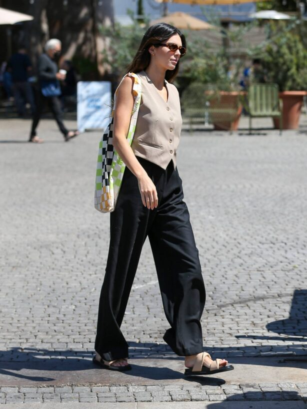 Kendall Jenner - Is seen while out in Los Angeles