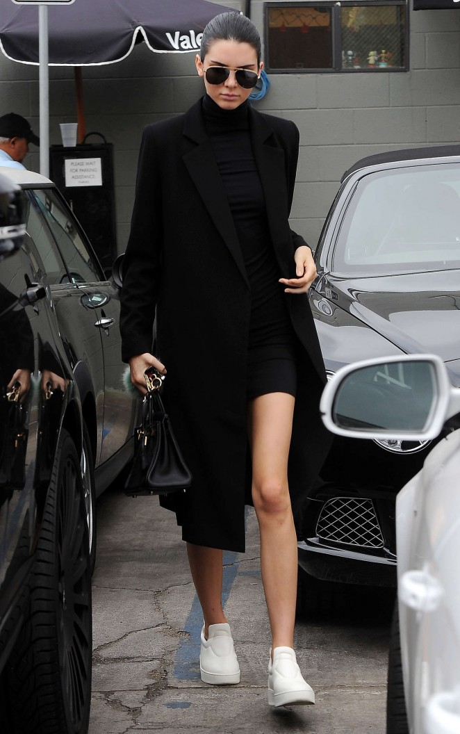 Kendall Jenner – Joan's on Third in LA