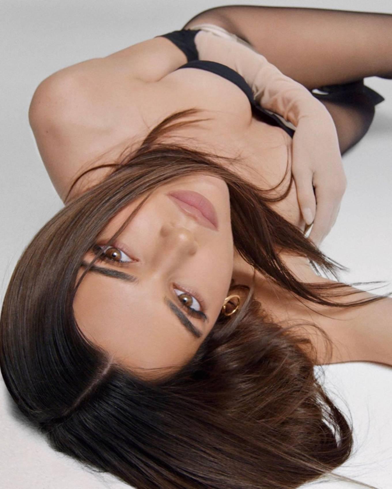 Kendall Jenner 2020 : Kendall Jenner – Kendall x Kylie Cosmetics 2020-12
