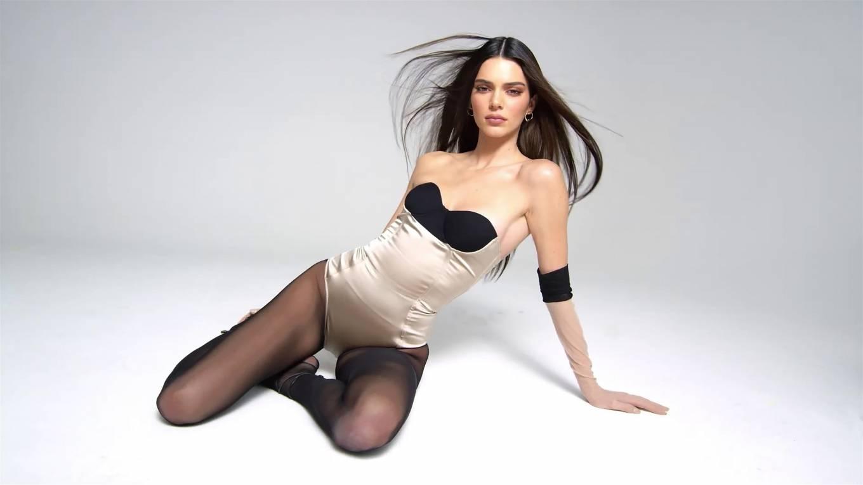 Kendall Jenner 2020 : Kendall Jenner – Kendall x Kylie Cosmetics 2020-14