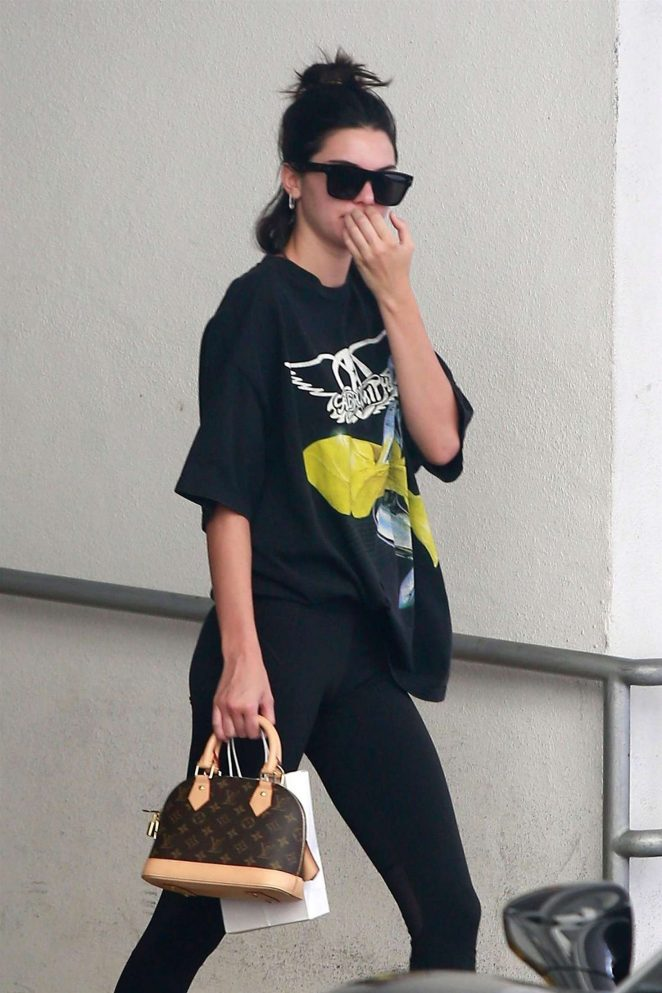 Kendall Jenner – Leaves a dematology clinic in Beverly Hills