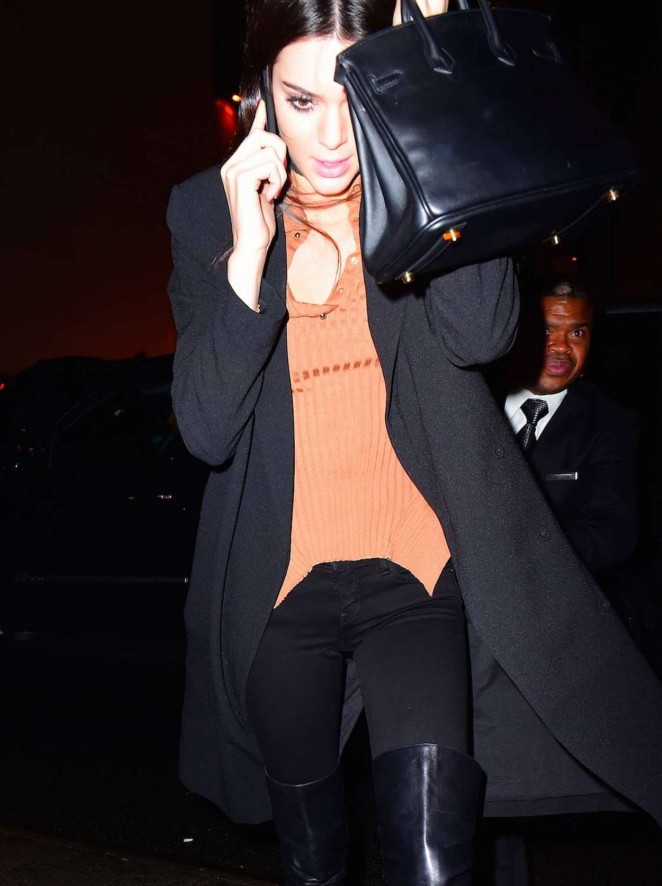 Kendall Jenner - Leaves Photoshoots in NYC