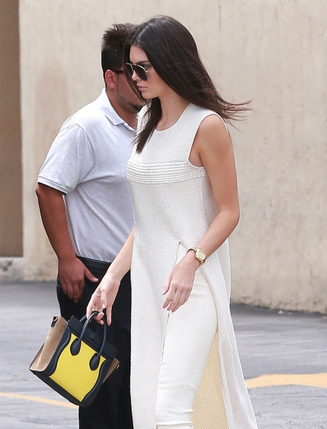 Kendall Jenner - Leaving Emilio's Trattoria in Encino