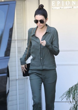 Kendall Jenner - Leaving Epione Dermatology Clinic in Beverly Hills