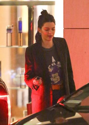 Kendall Jenner - Leaving her hotel in Beverly Hills