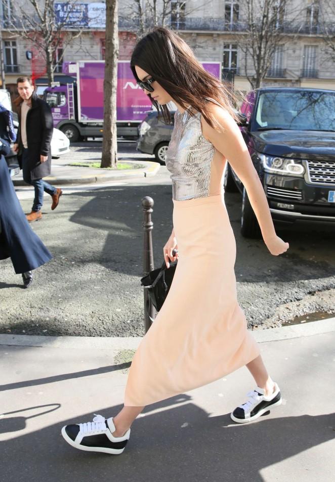 Kendall Jenner 2015 : Kendall Jenner in Tight Skirt -02