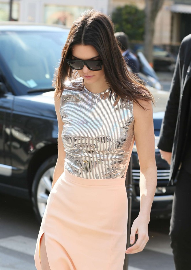 Kendall Jenner 2015 : Kendall Jenner in Tight Skirt -23