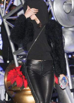 Kendall Jenner - Leaving KROQ's Almost Acoustic Christmas Early in Inglewood