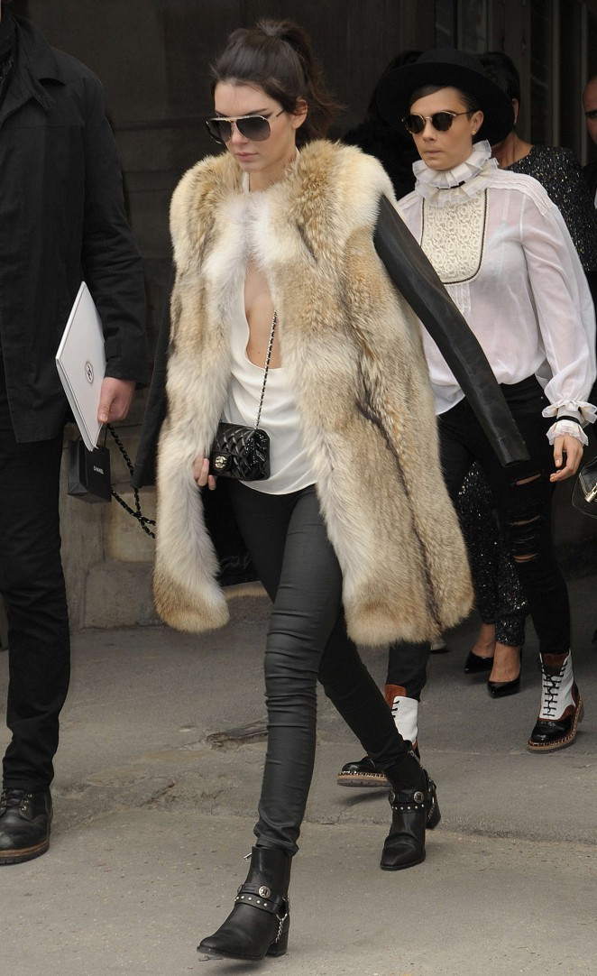 Kendall Jenner 2015 : Kendall Jenner in Fur Coat -02