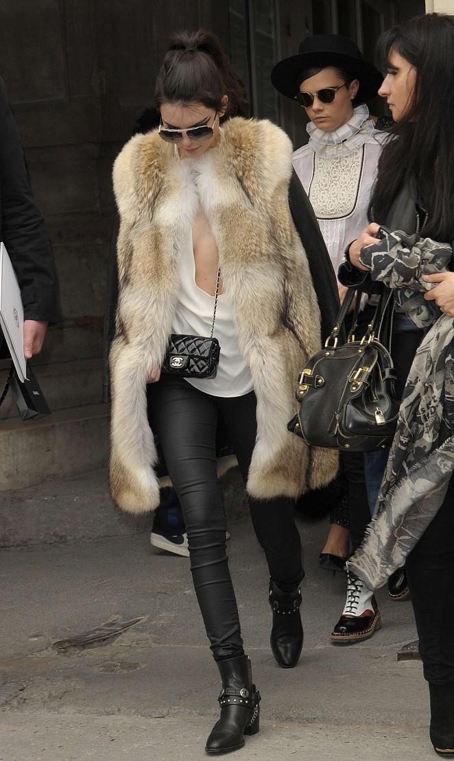Kendall Jenner 2015 : Kendall Jenner in Fur Coat -04