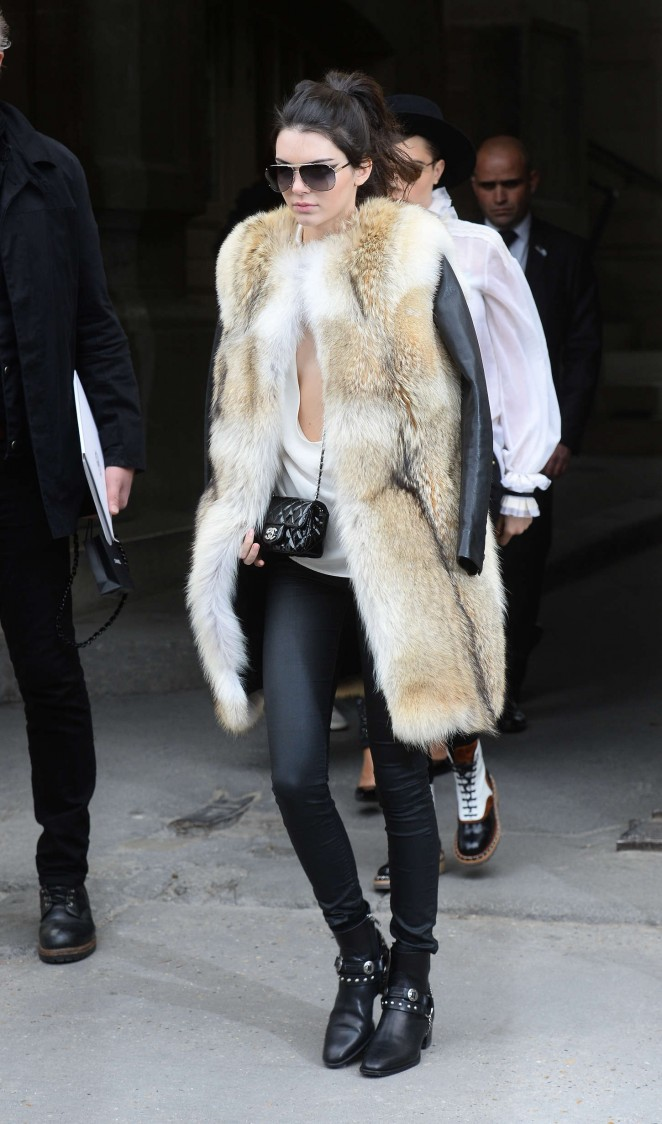 Kendall Jenner in Fur Coat -06