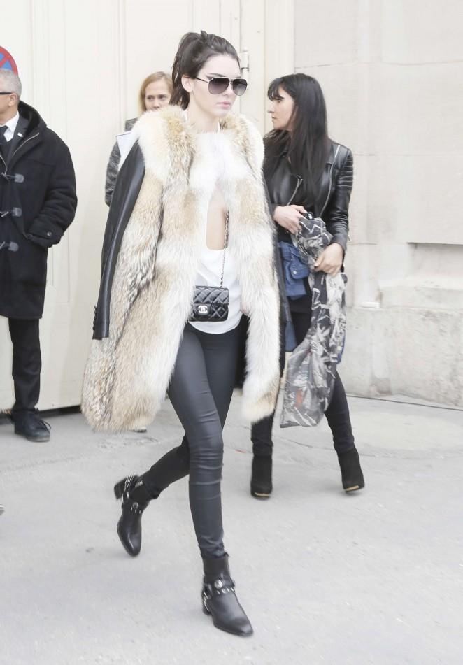 Kendall Jenner 2015 : Kendall Jenner in Fur Coat -11