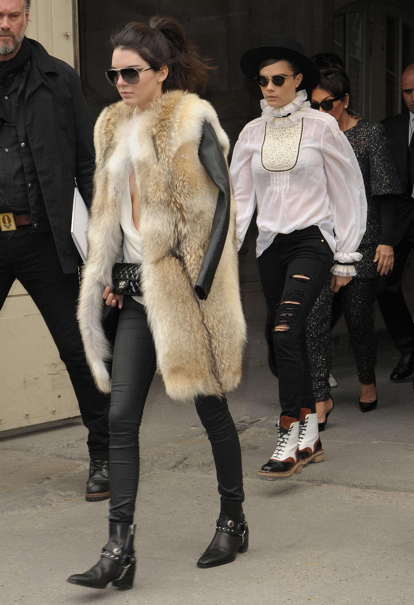 Kendall Jenner 2015 : Kendall Jenner in Fur Coat -17