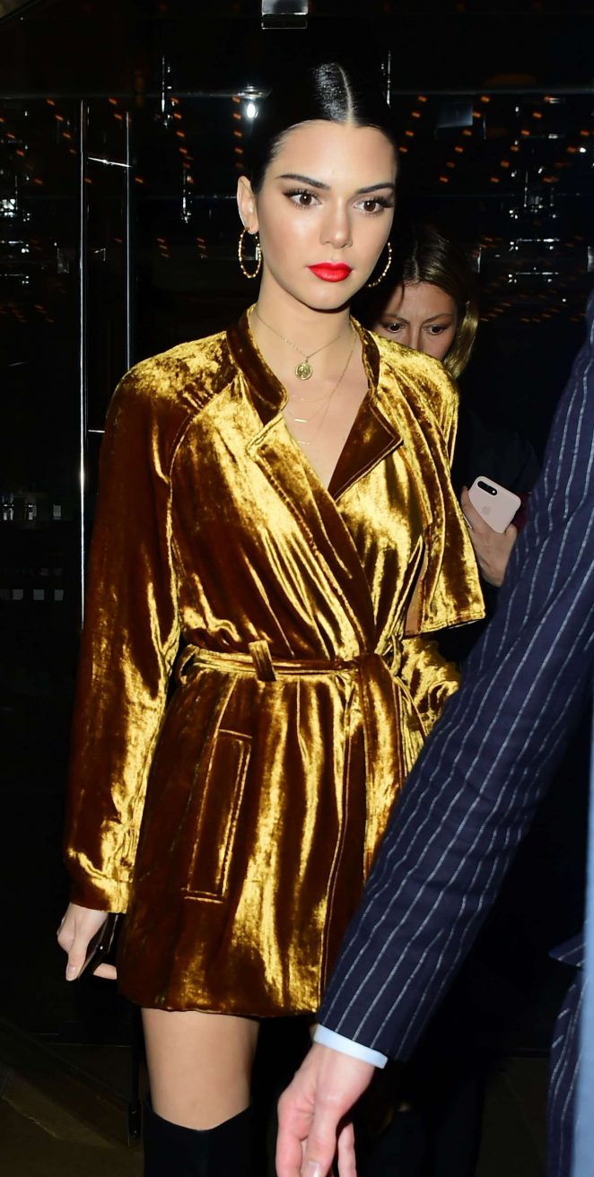 Kendall Jenner - Leaving The Edition Hotel in London