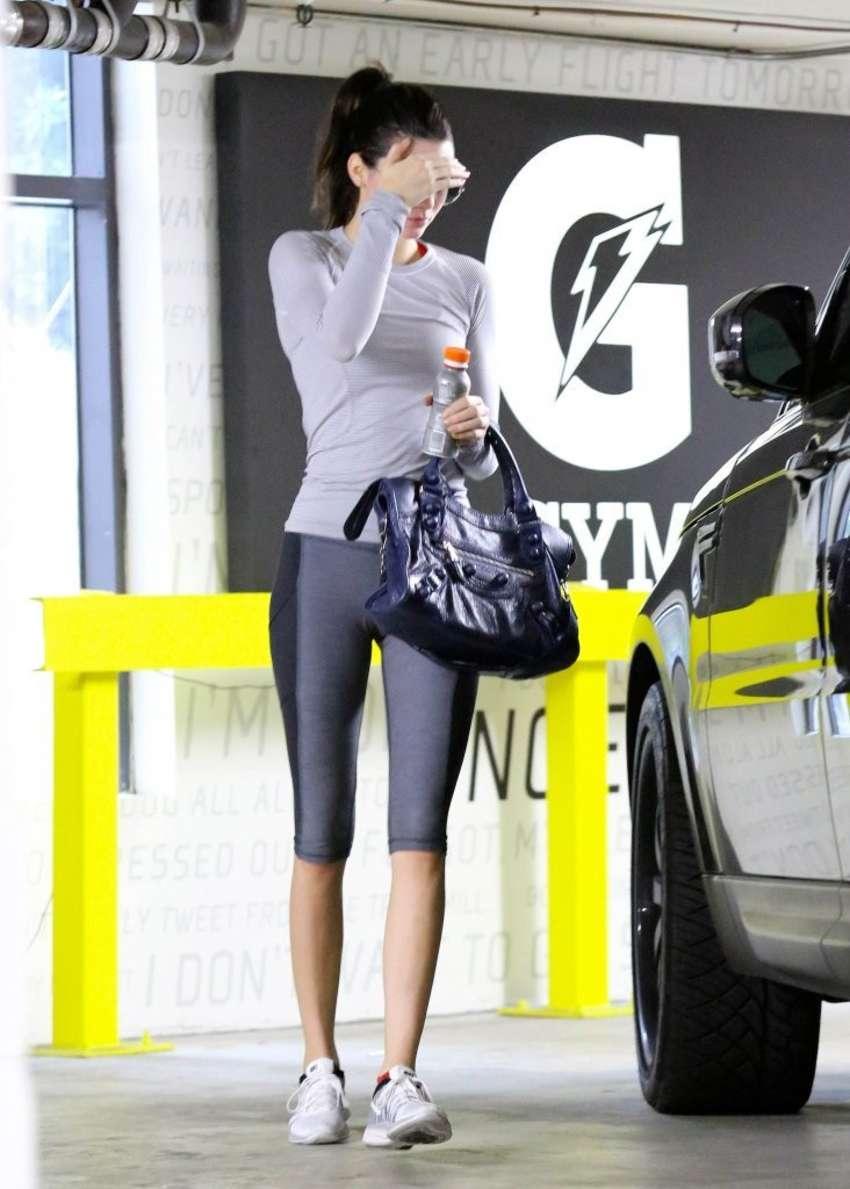 Kendall Jenner 2015 : Kendall Jenner in Tight Leggings -03