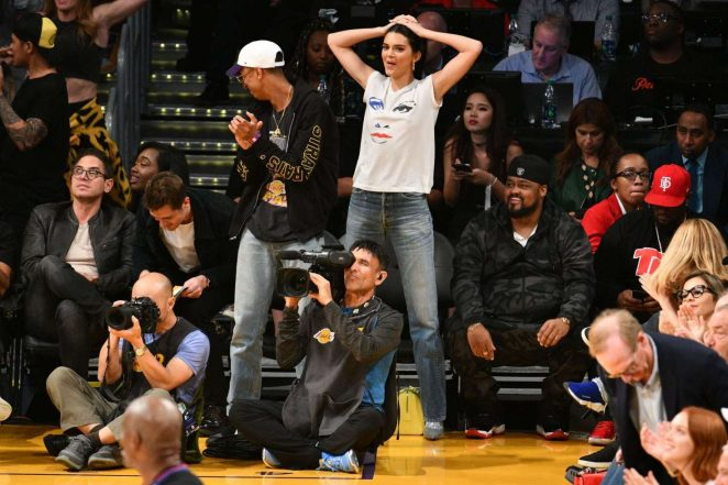 Kendall Jenner 2018 : Kendall Jenner: Los Angeles Lakers and the Houston Rockets game -01