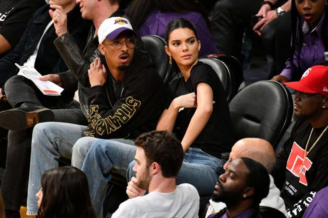Kendall Jenner: Los Angeles Lakers and the Houston Rockets game -02