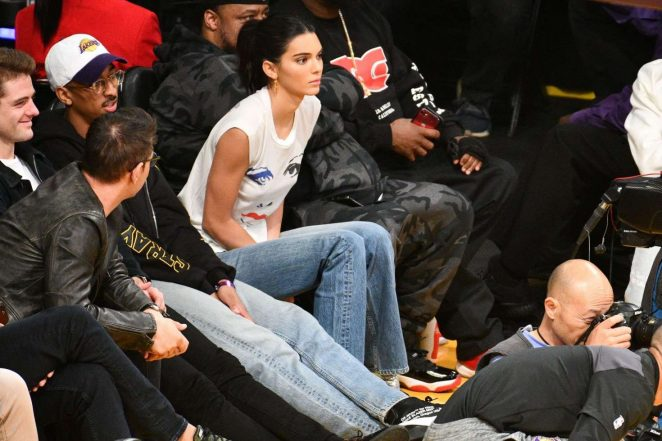 Kendall Jenner 2018 : Kendall Jenner: Los Angeles Lakers and the Houston Rockets game -04