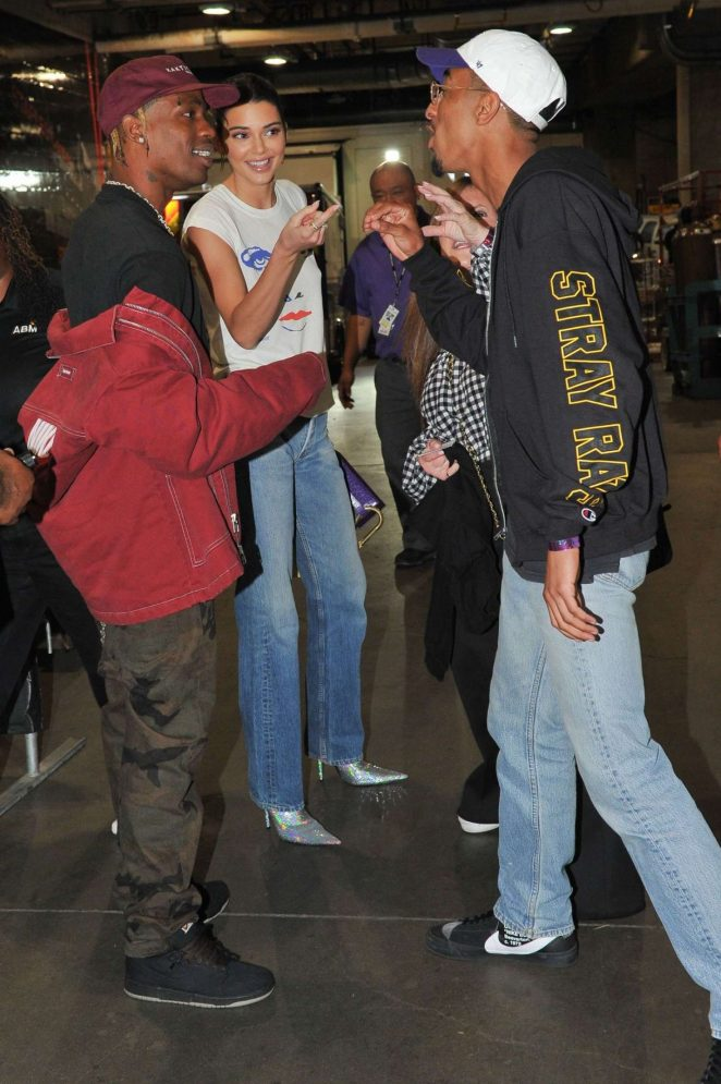 Kendall Jenner 2018 : Kendall Jenner: Los Angeles Lakers and the Houston Rockets game -05