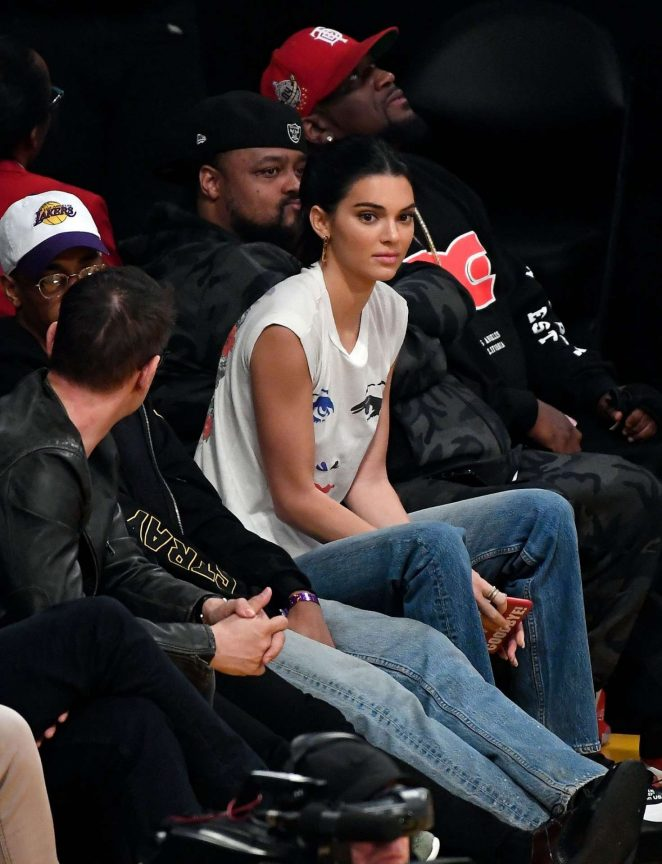 Kendall Jenner 2018 : Kendall Jenner: Los Angeles Lakers and the Houston Rockets game -07