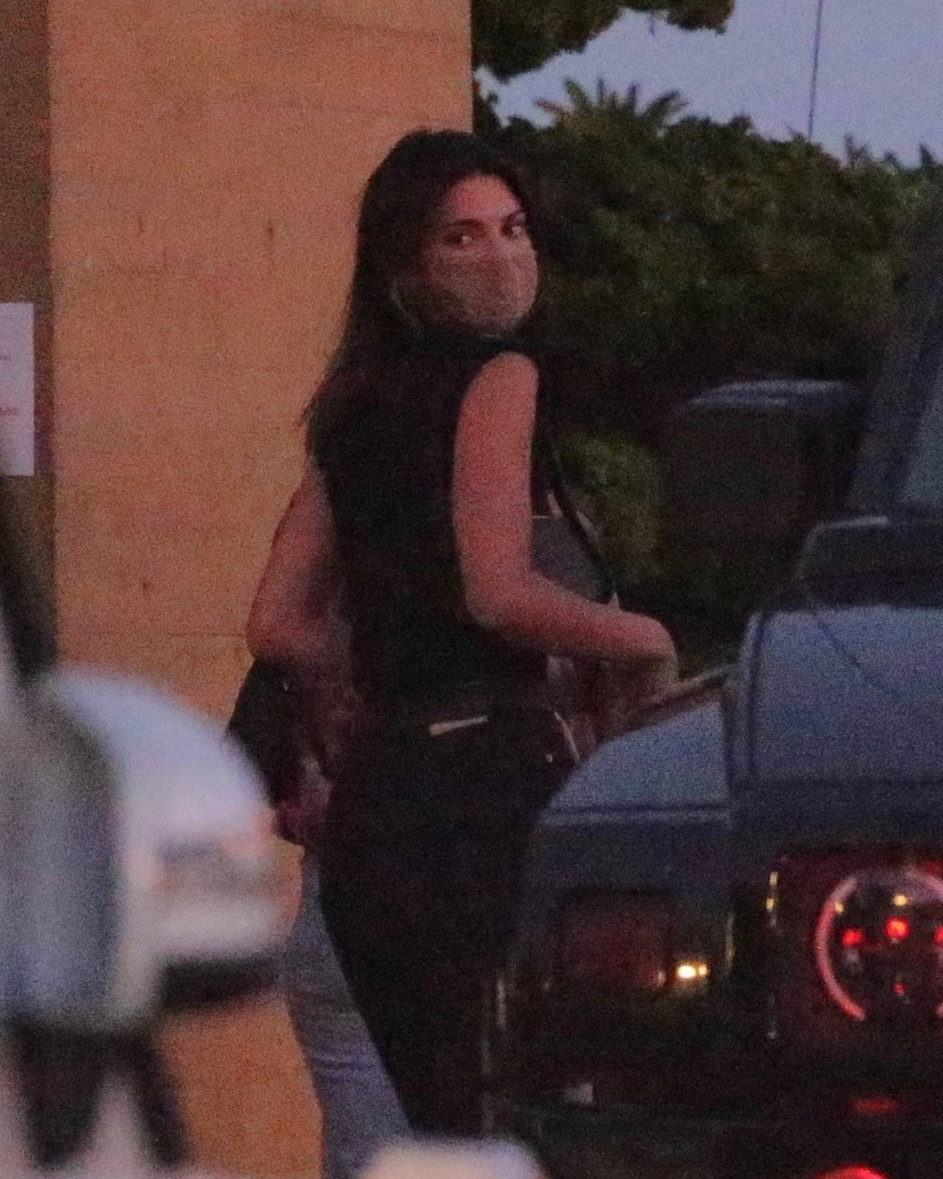 Kendall Jenner 2020 : Kendall Jenner – Night out for dinner at Nobu in Malibu-02