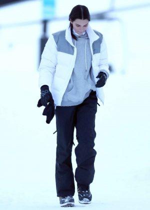 Kendall Jenner - On the Slopes in Aspen