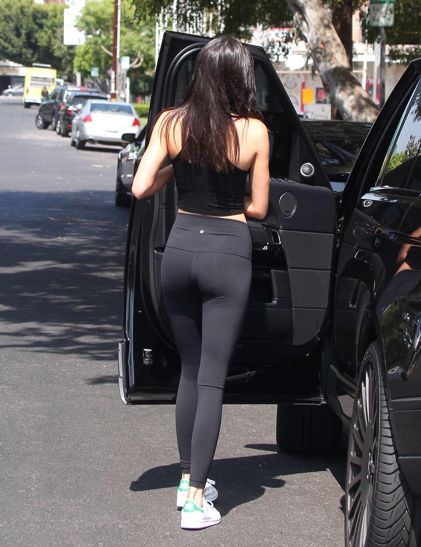 Kendall Jenner In Leggings 02 Gotceleb