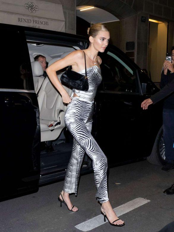Kendall Jenner - Out during Milan Fashion Week in Milan