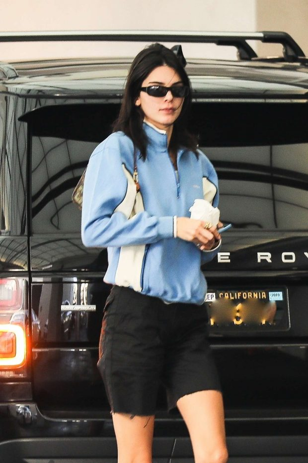 Kendall Jenner - Out for dinner in Beverly Hills