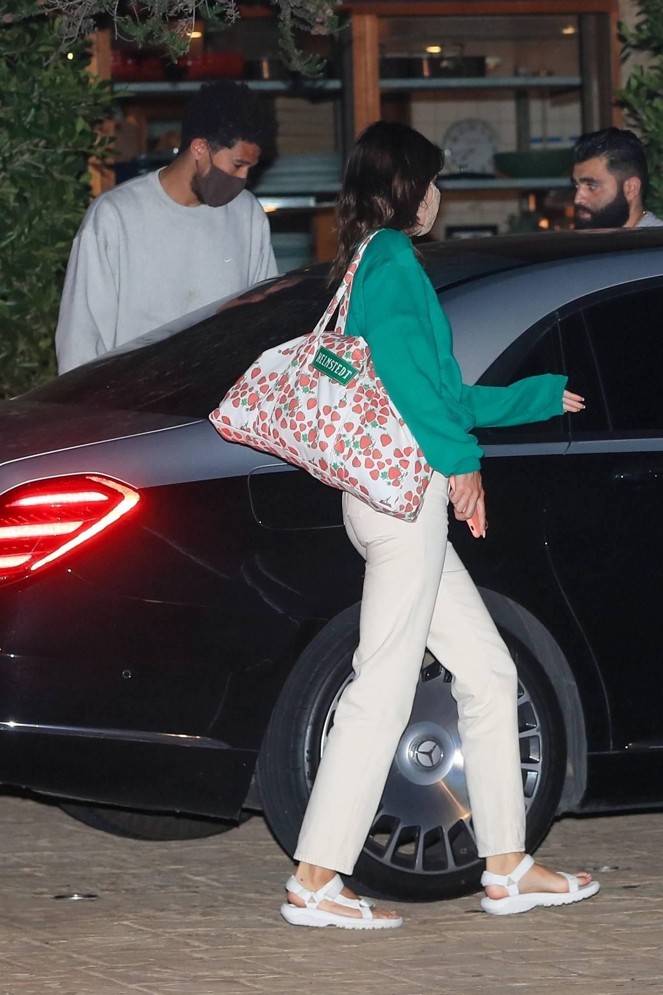 Kendall Jenner 2020 : Kendall Jenner – Out for dinner in black limo at SoHo House in Malibu-01