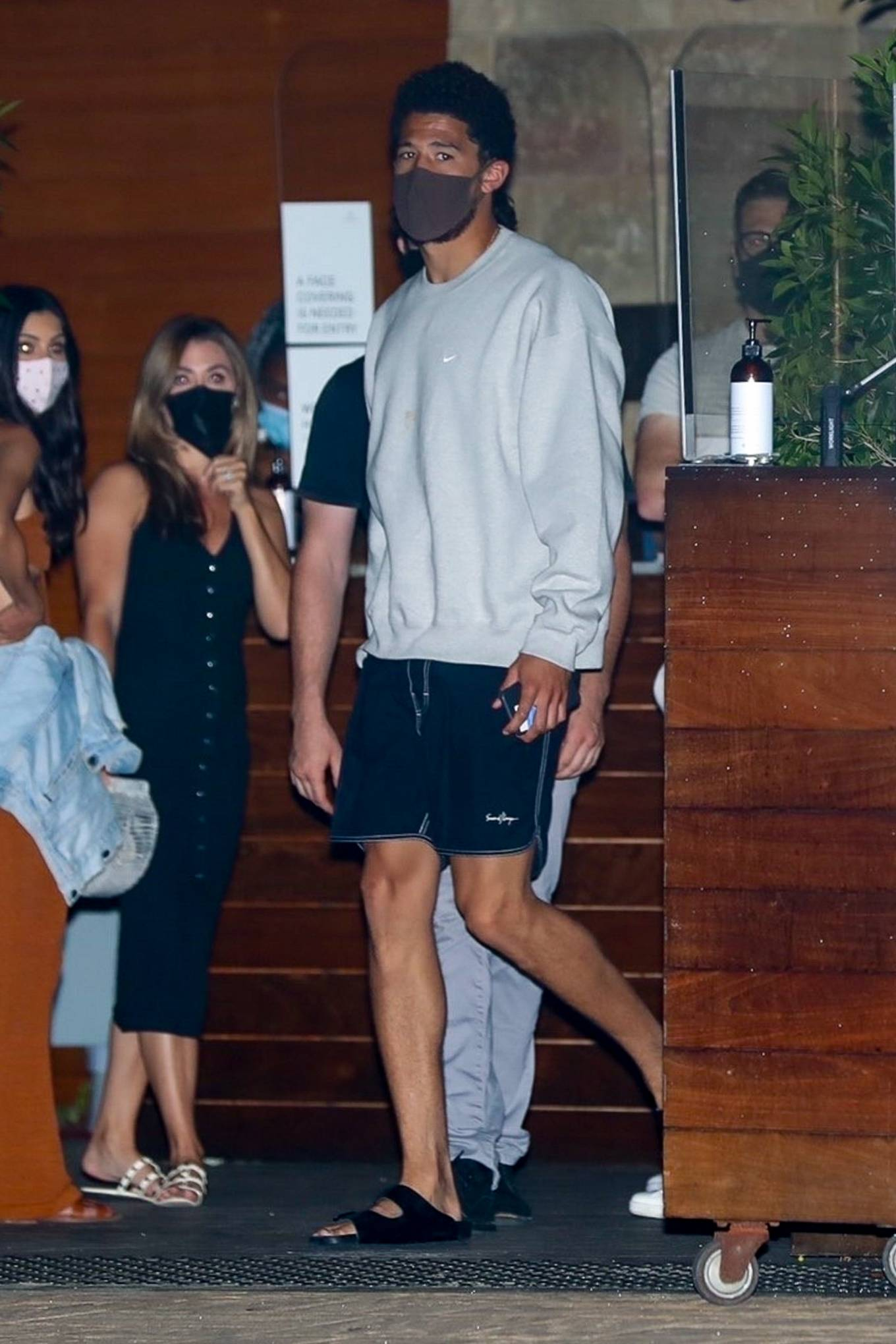 Kendall Jenner 2020 : Kendall Jenner – Out for dinner in black limo at SoHo House in Malibu-02