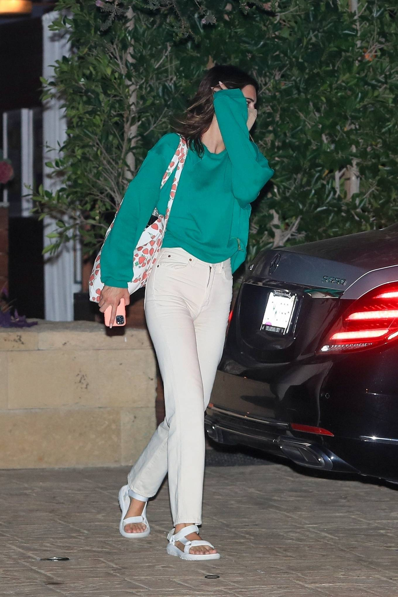 Kendall Jenner 2020 : Kendall Jenner – Out for dinner in black limo at SoHo House in Malibu-03