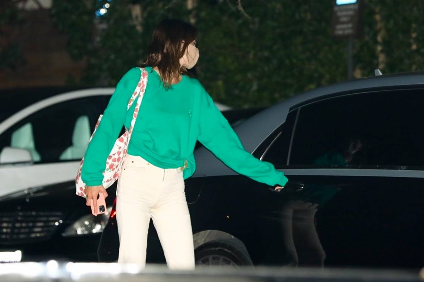 Kendall Jenner 2020 : Kendall Jenner – Out for dinner in black limo at SoHo House in Malibu-04