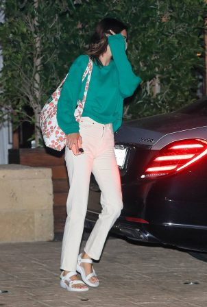 Kendall Jenner - Out for dinner in black limo at SoHo House in Malibu