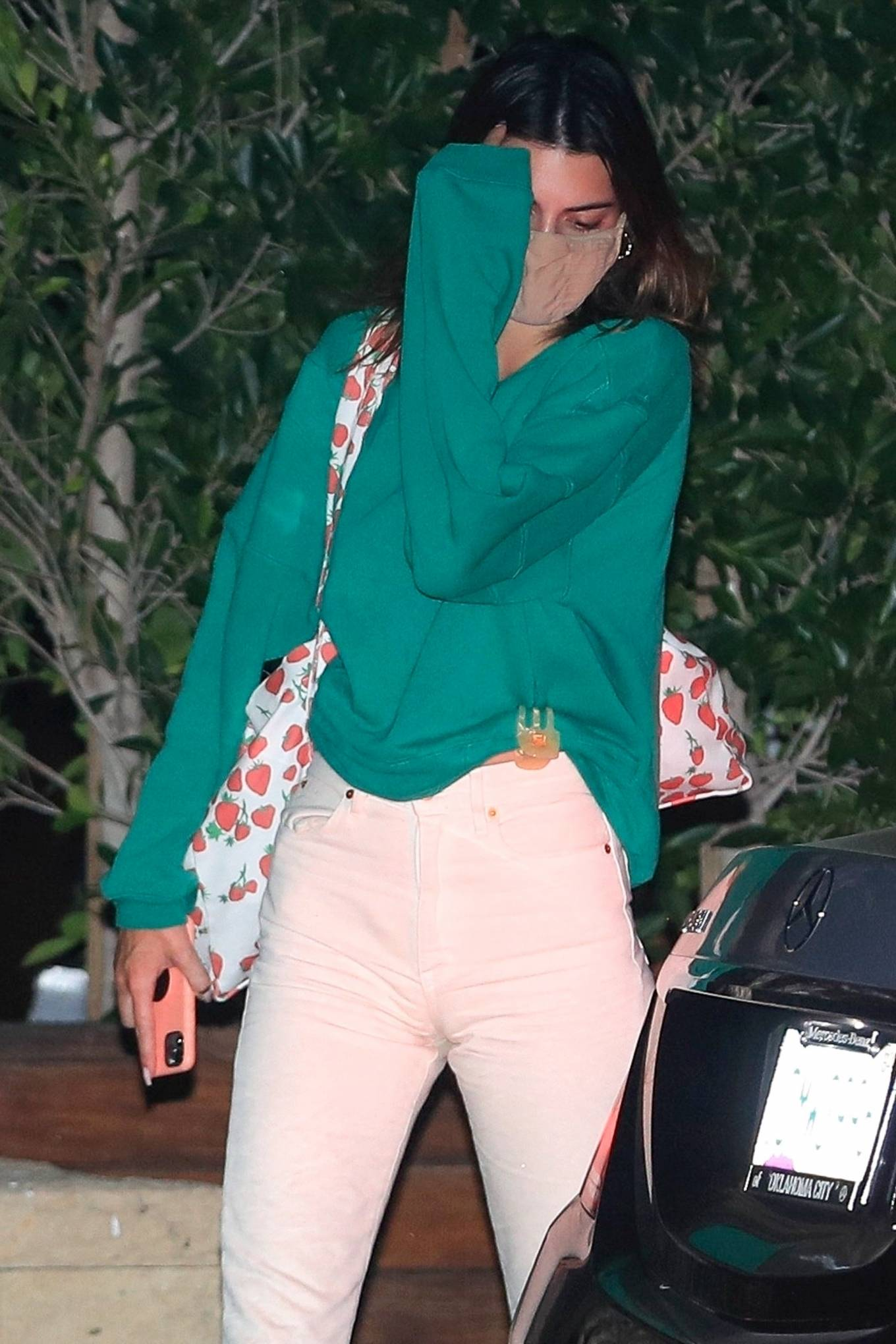 Kendall Jenner 2020 : Kendall Jenner – Out for dinner in black limo at SoHo House in Malibu-09