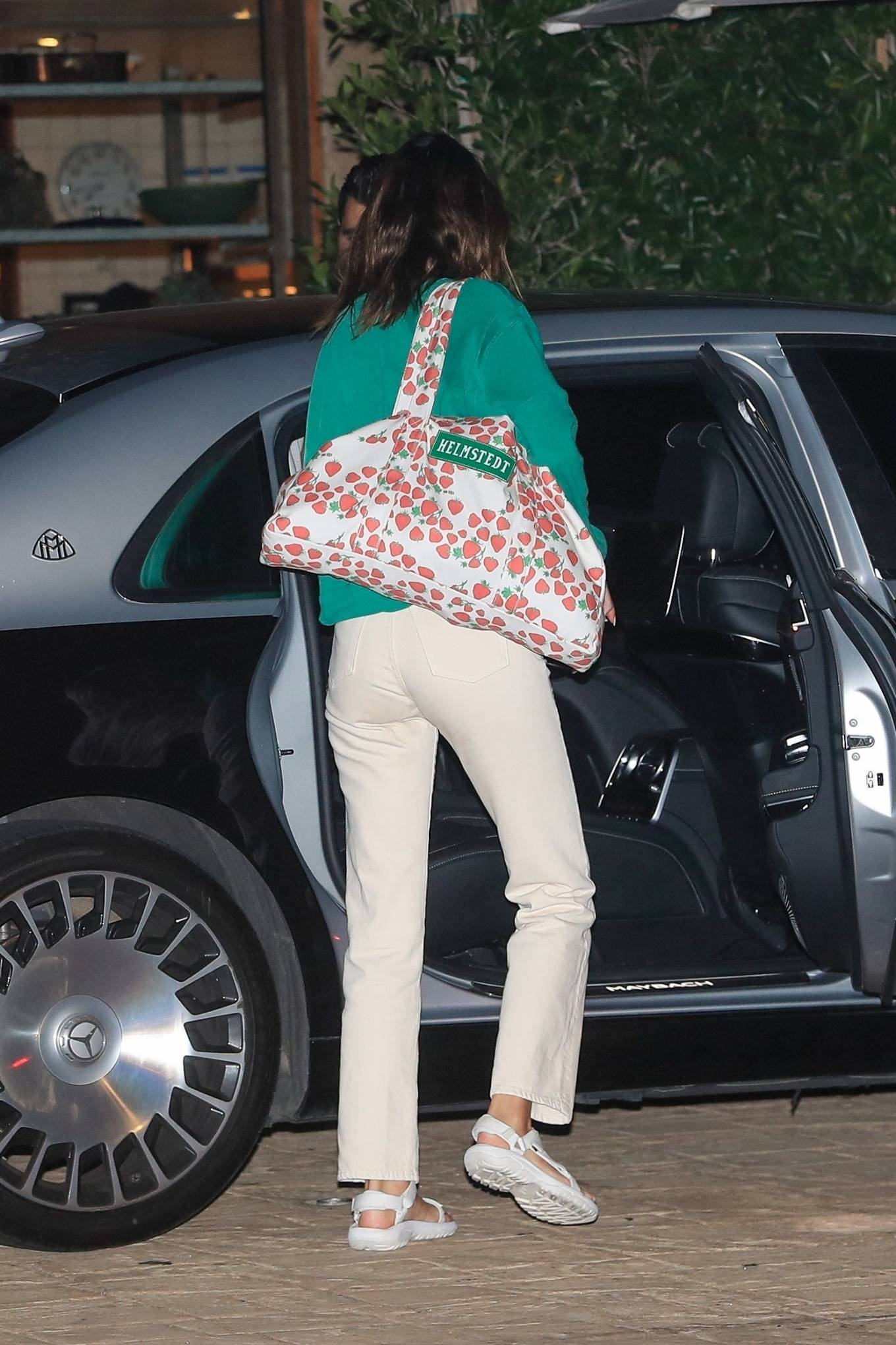 Kendall Jenner 2020 : Kendall Jenner – Out for dinner in black limo at SoHo House in Malibu-13