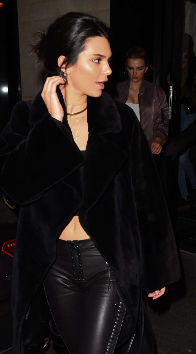 Kendall Jenner - Out for dinner in Paris