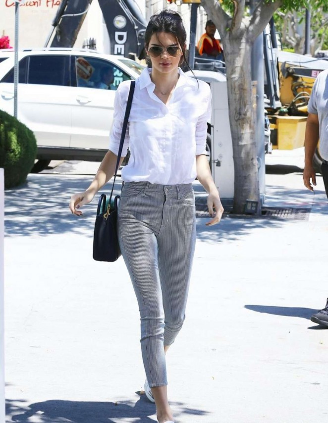 Kendall Jenner - Out for lunch in Beverly Hills