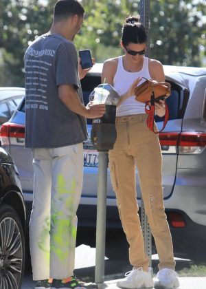 Kendall Jenner - Out for lunch in Hollywood