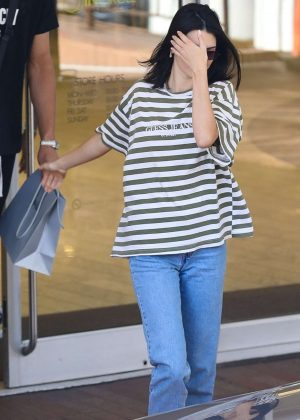 Kendall Jenner - Out in Beverly Hills