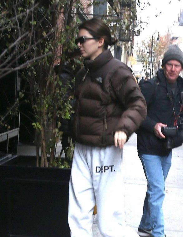 Kendall Jenner 2019 : Kendall Jenner – Out in NY-03