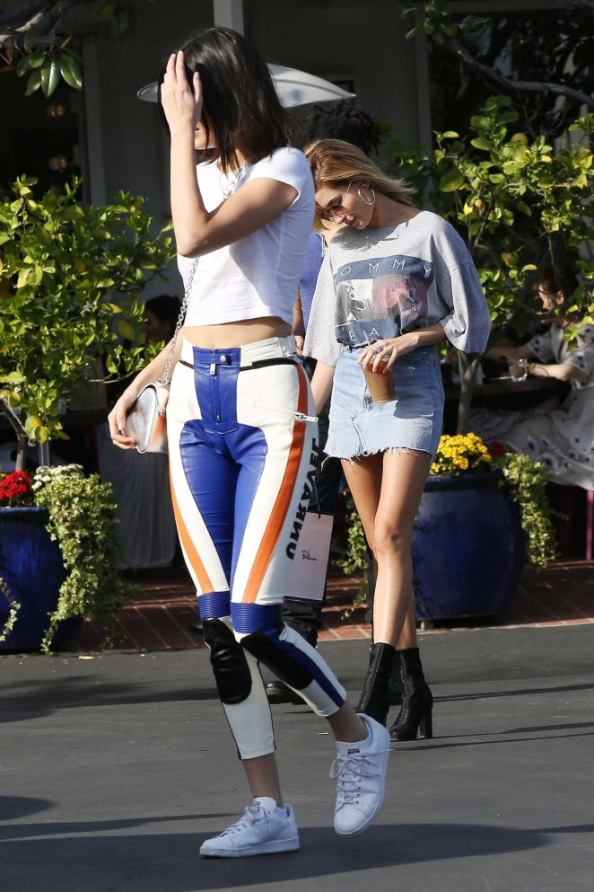 Kendall Jenner out shopping in LA -01