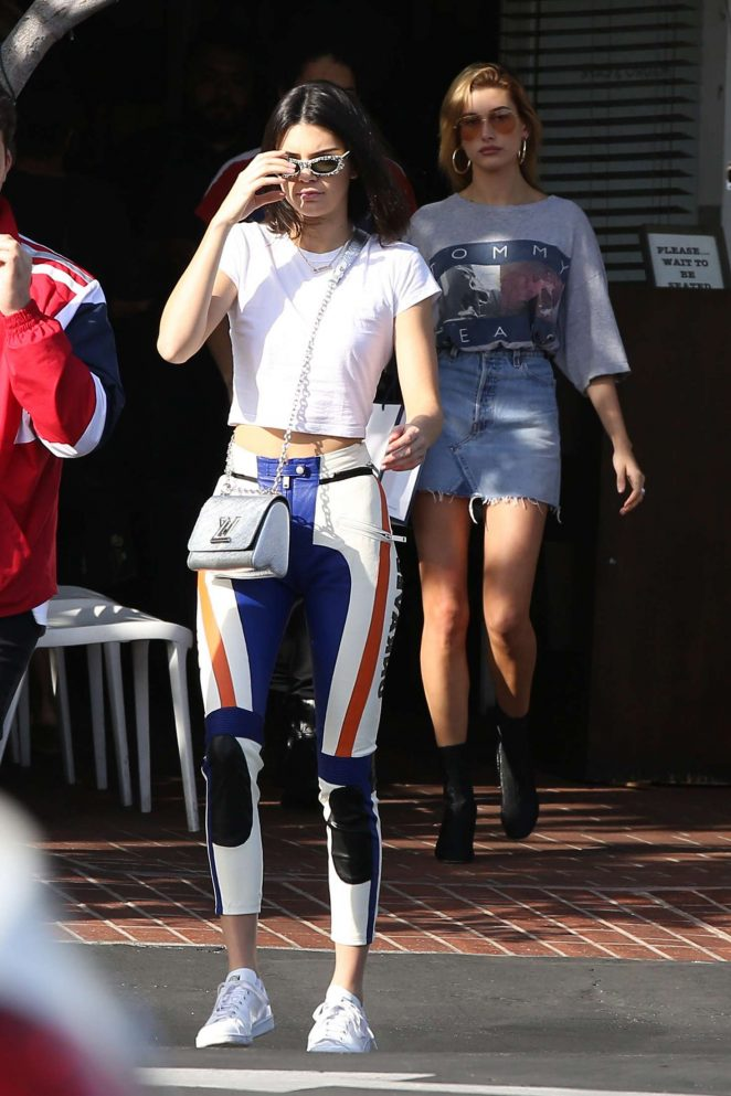 Kendall Jenner out shopping in LA -07