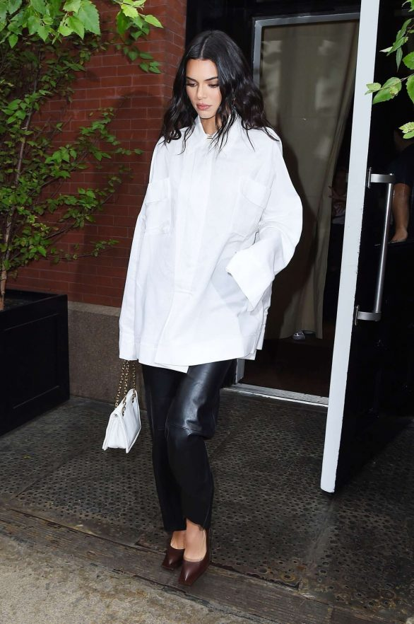 Kendall Jenner - Outside her hotel in NYC
