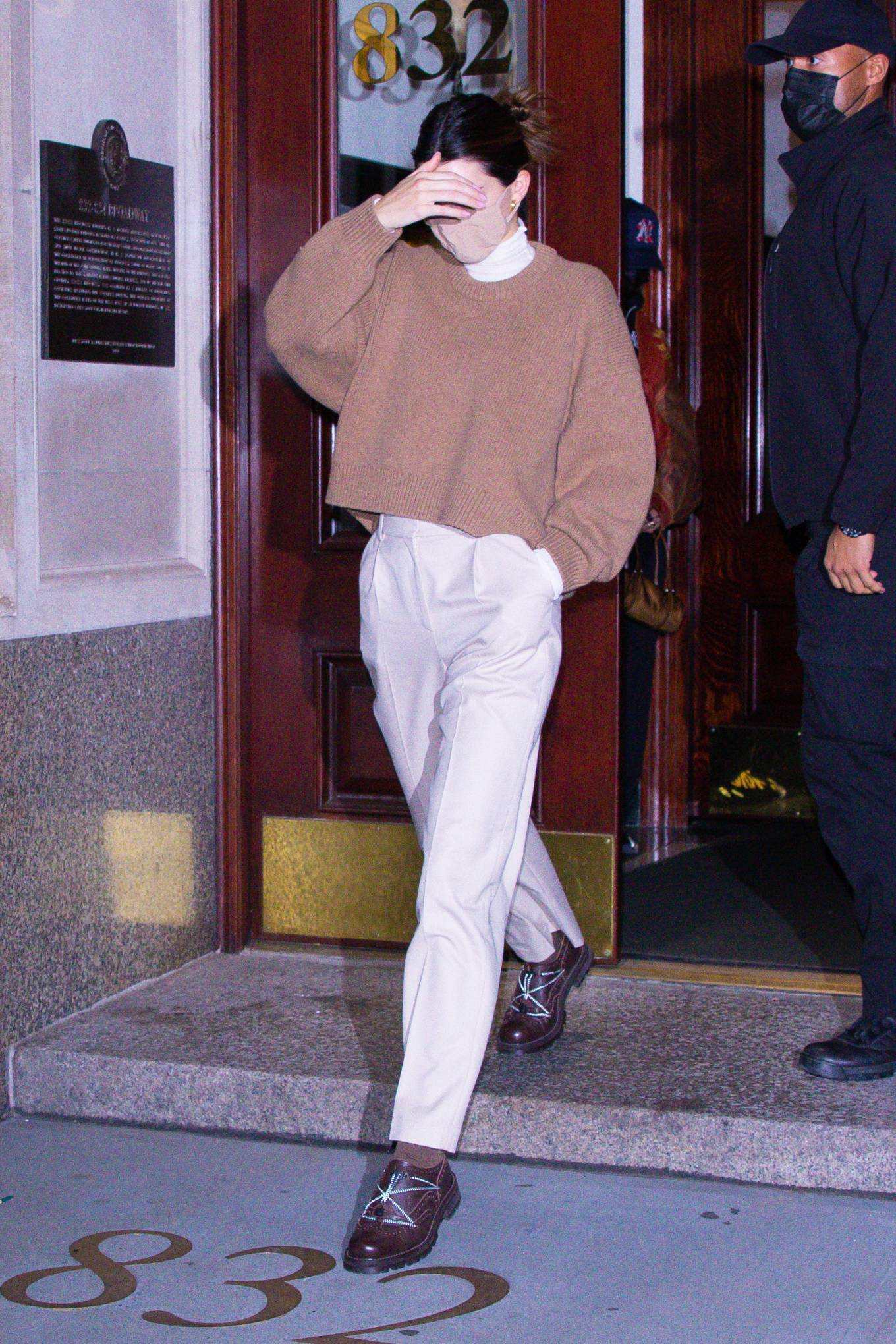 Kendall Jenner 2020 : Kendall Jenner – seen out during the evening in New York-02
