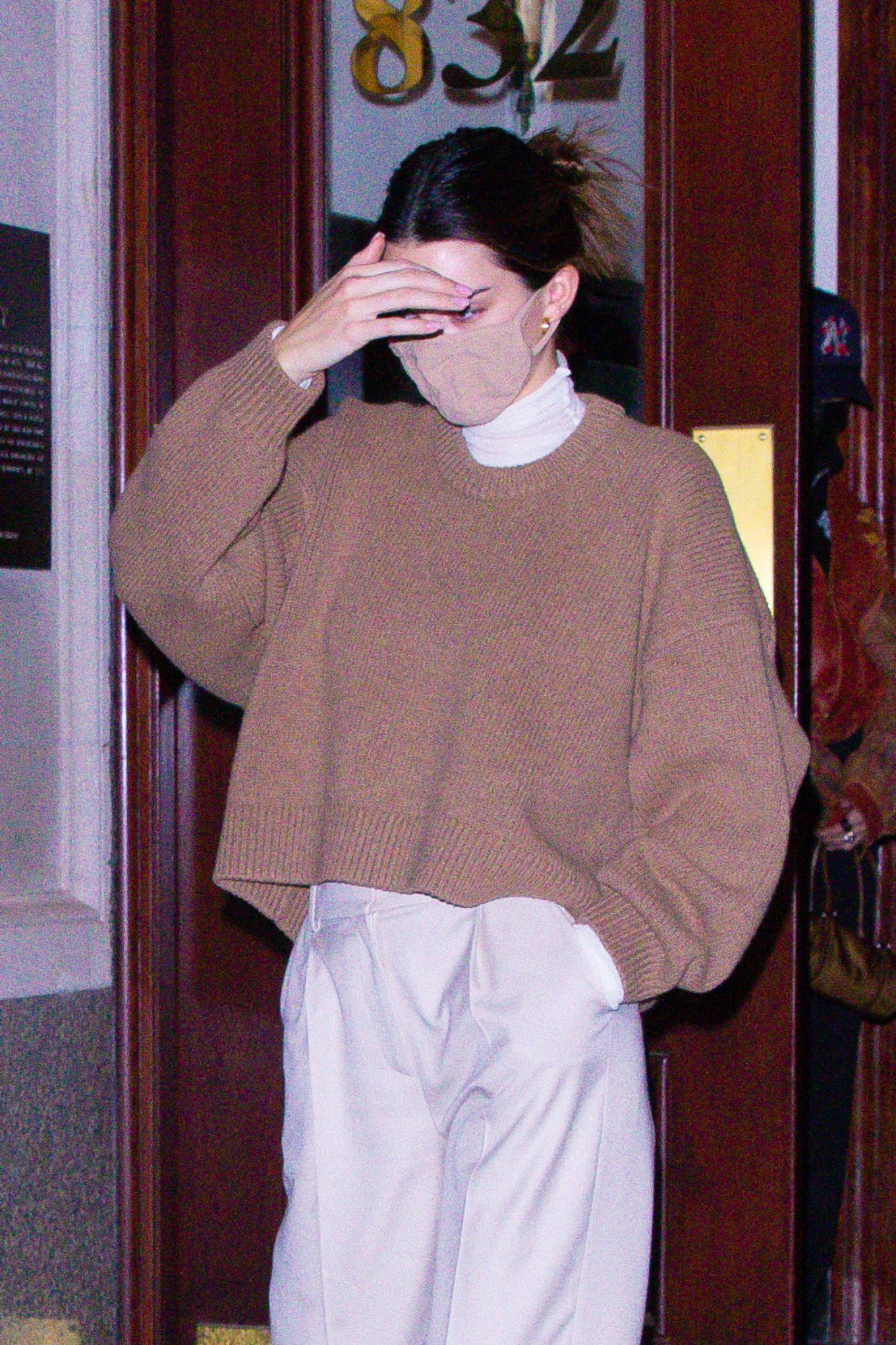 Kendall Jenner 2020 : Kendall Jenner – seen out during the evening in New York-05
