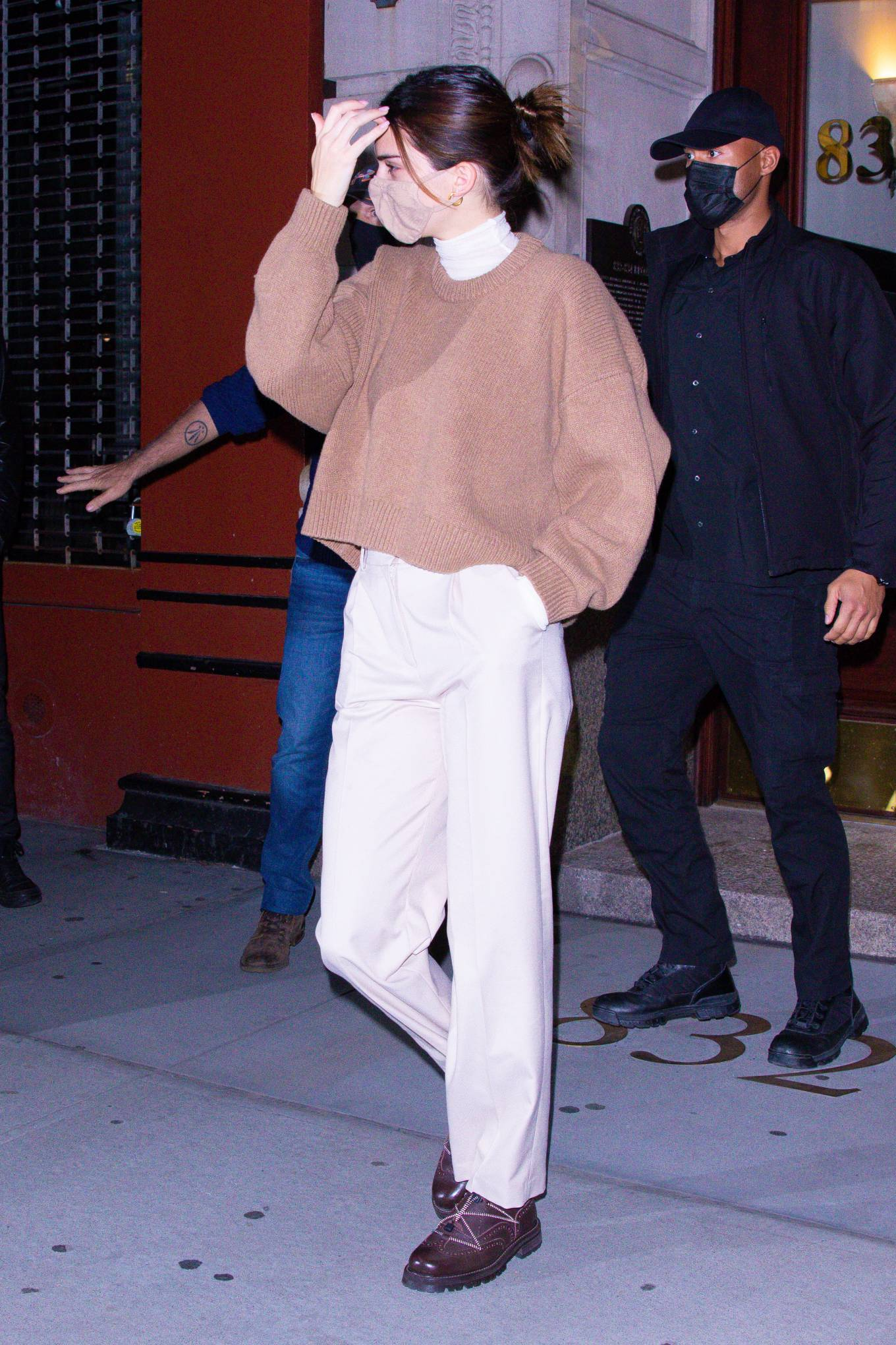 Kendall Jenner 2020 : Kendall Jenner – seen out during the evening in New York-07
