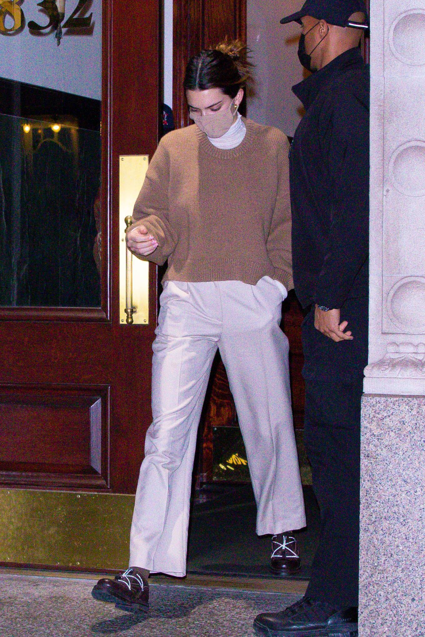 Kendall Jenner 2020 : Kendall Jenner – seen out during the evening in New York-09